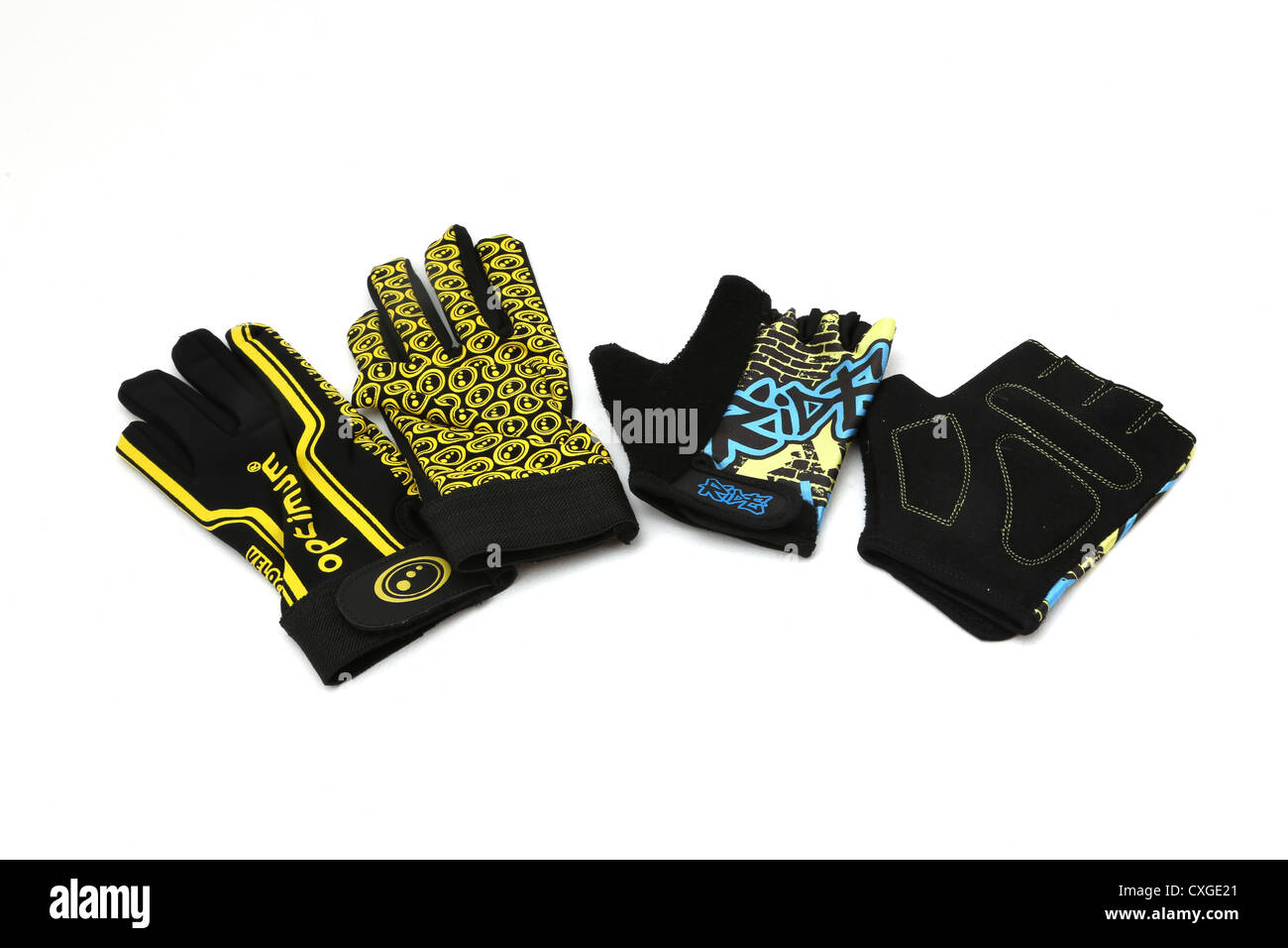 724fb9d06131 Two Pairs Of Sports Gloves Optimum Velocity And Ride Fingerless Gloves