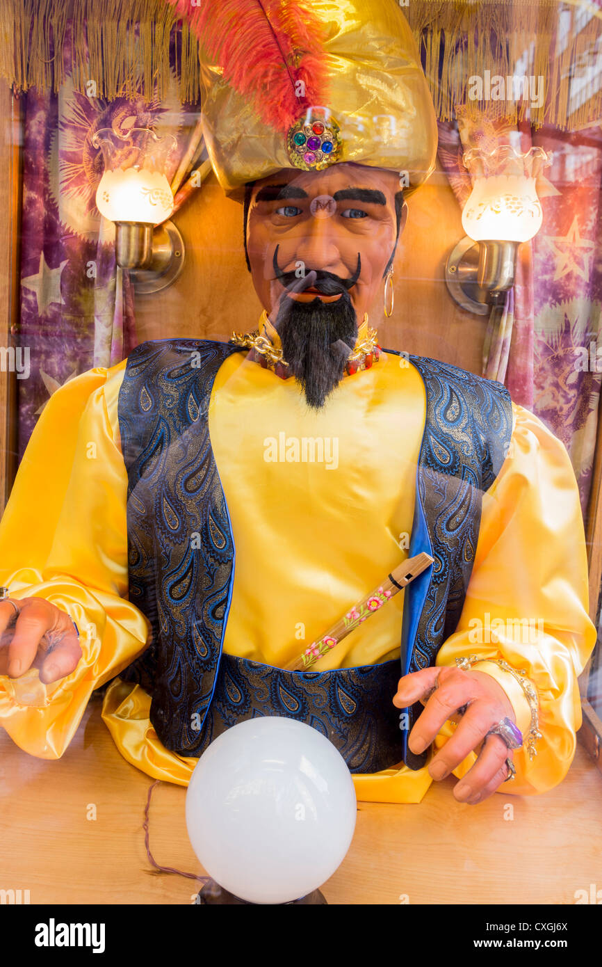 Zoltar faux fortune teller with crystal ball - Stock Image