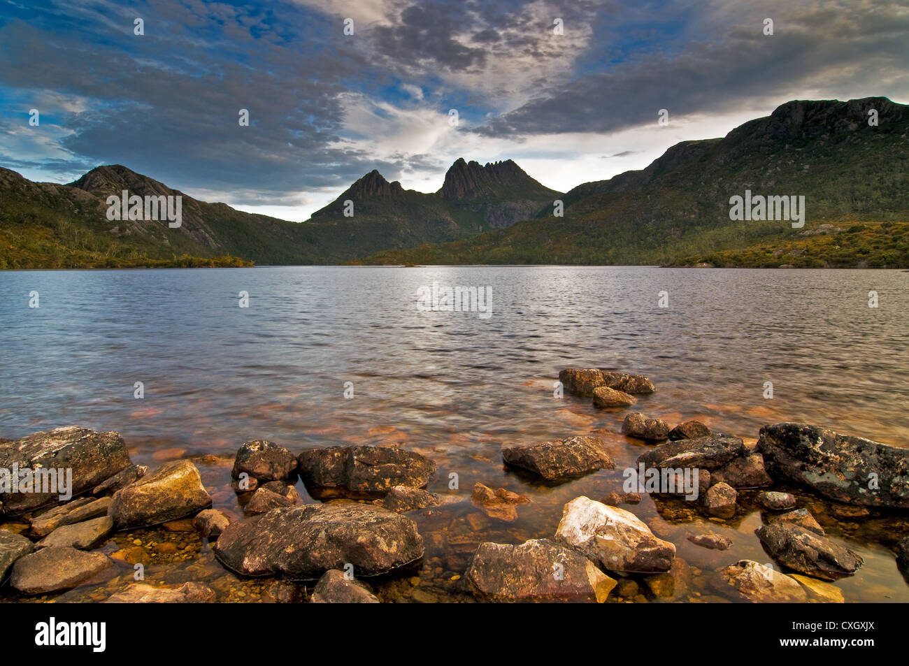 Cradle Mountain and Dove Lake in the early morning. - Stock Image