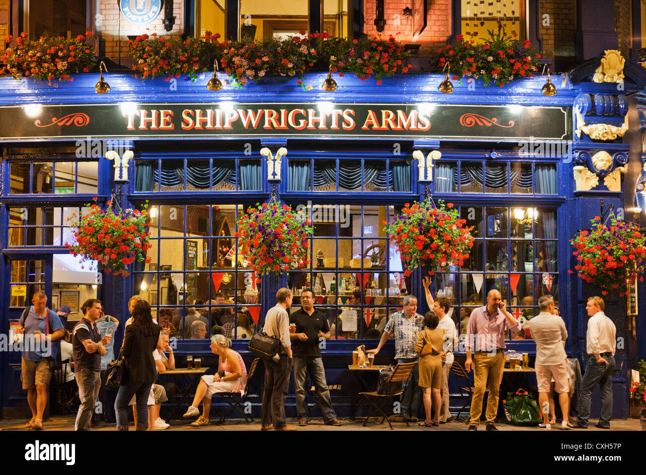 England, London, Southwark, Pub Scene - Stock Image