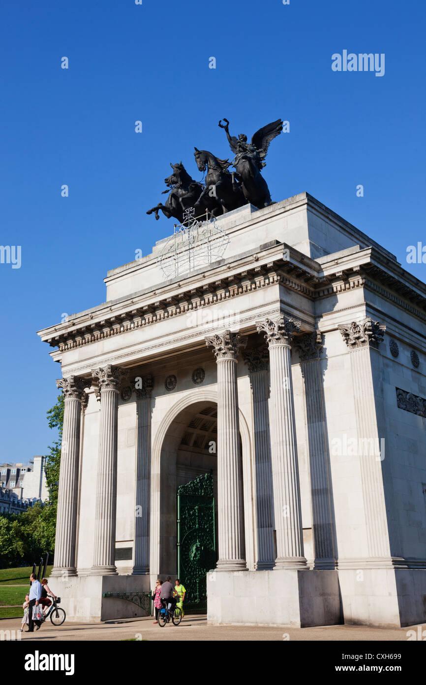 England, London, Hyde Park Corner, Wellington Arch aka Constitution Arch - Stock Image