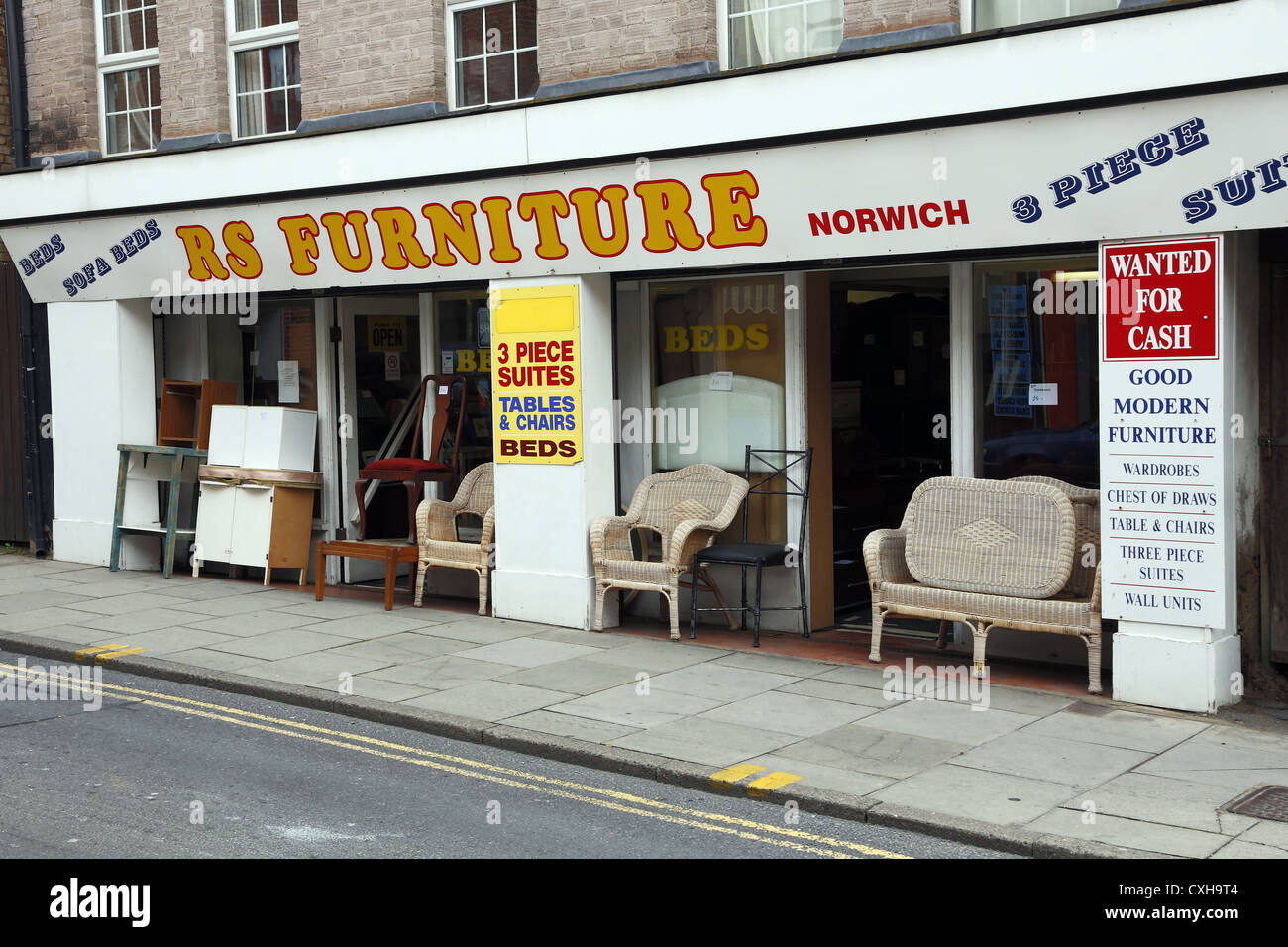 Secondhand furniture shop in Norwich, UK. - Stock Image