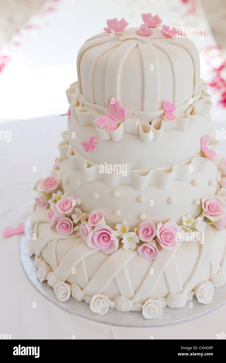 European Wedding Cake Stock Photo: 50787794 - Alamy