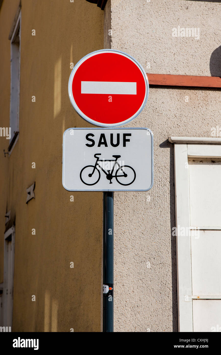 No entry except for cyclists sign in Chartres, Loire, France - Stock Image
