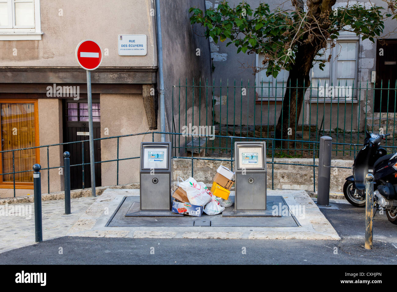 Public waste disposal facility in the centre of Chartres, Loire, France - Stock Image