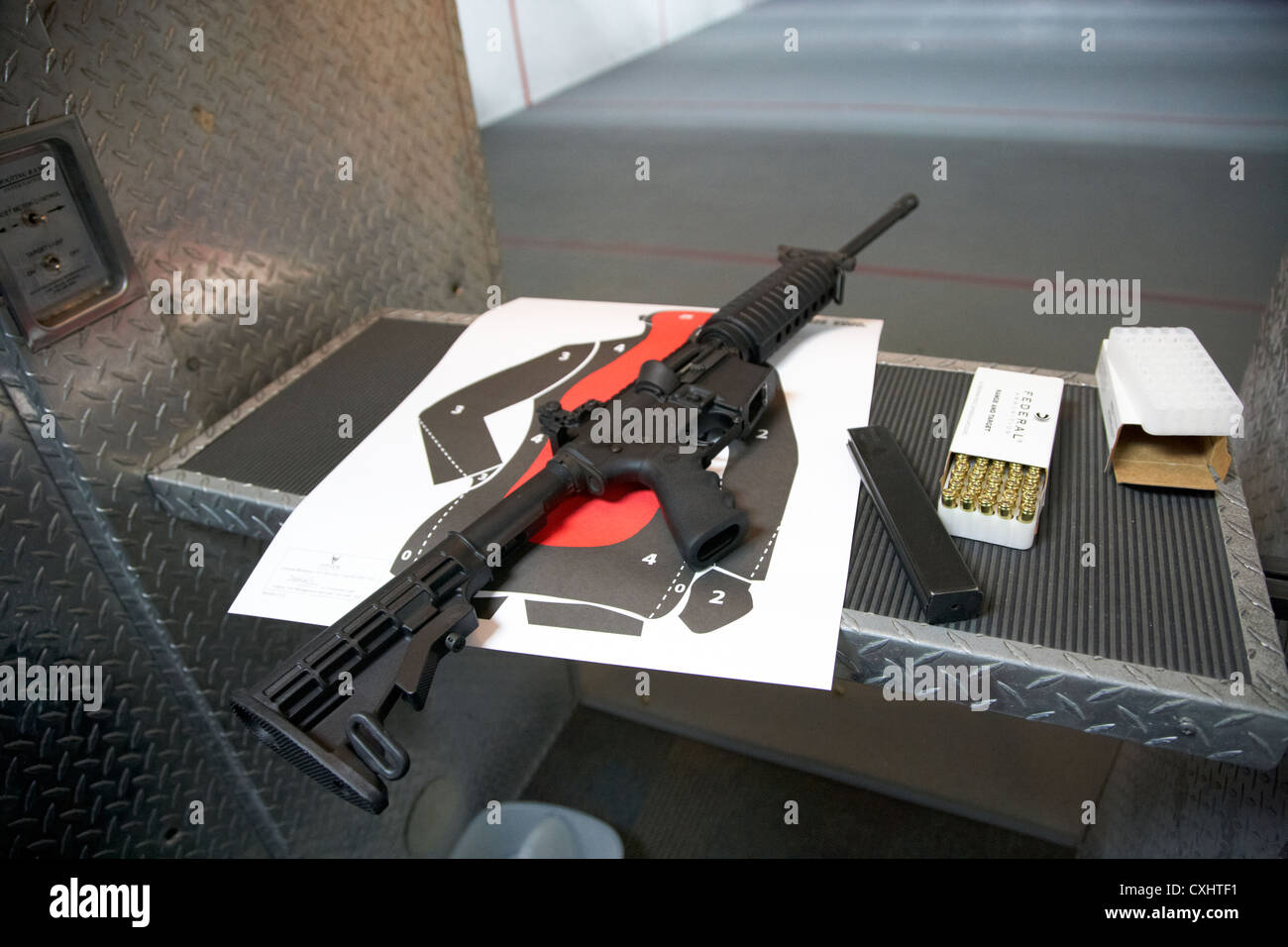 .22 ar-15 semi automatic rifle at a gun range in florida usa firearm usage protected under 2nd second amendment - Stock Image