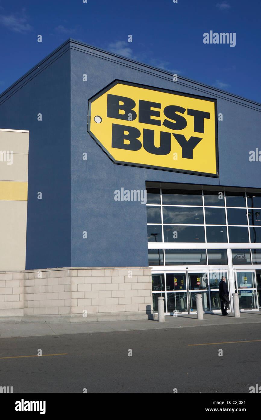 Best Buy Store Exterior Stock Photos & Best Buy Store Exterior Stock ...