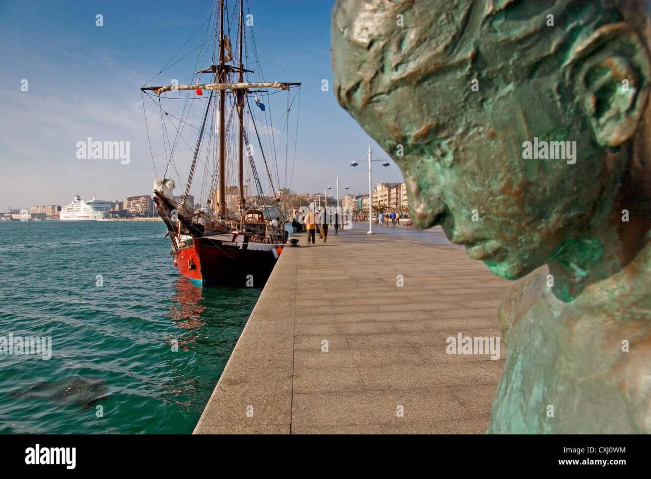 monument to Raqueros schooner and Brittany Ferries Santander Cantabria Spain monumento los raqueros españa - Stock Image