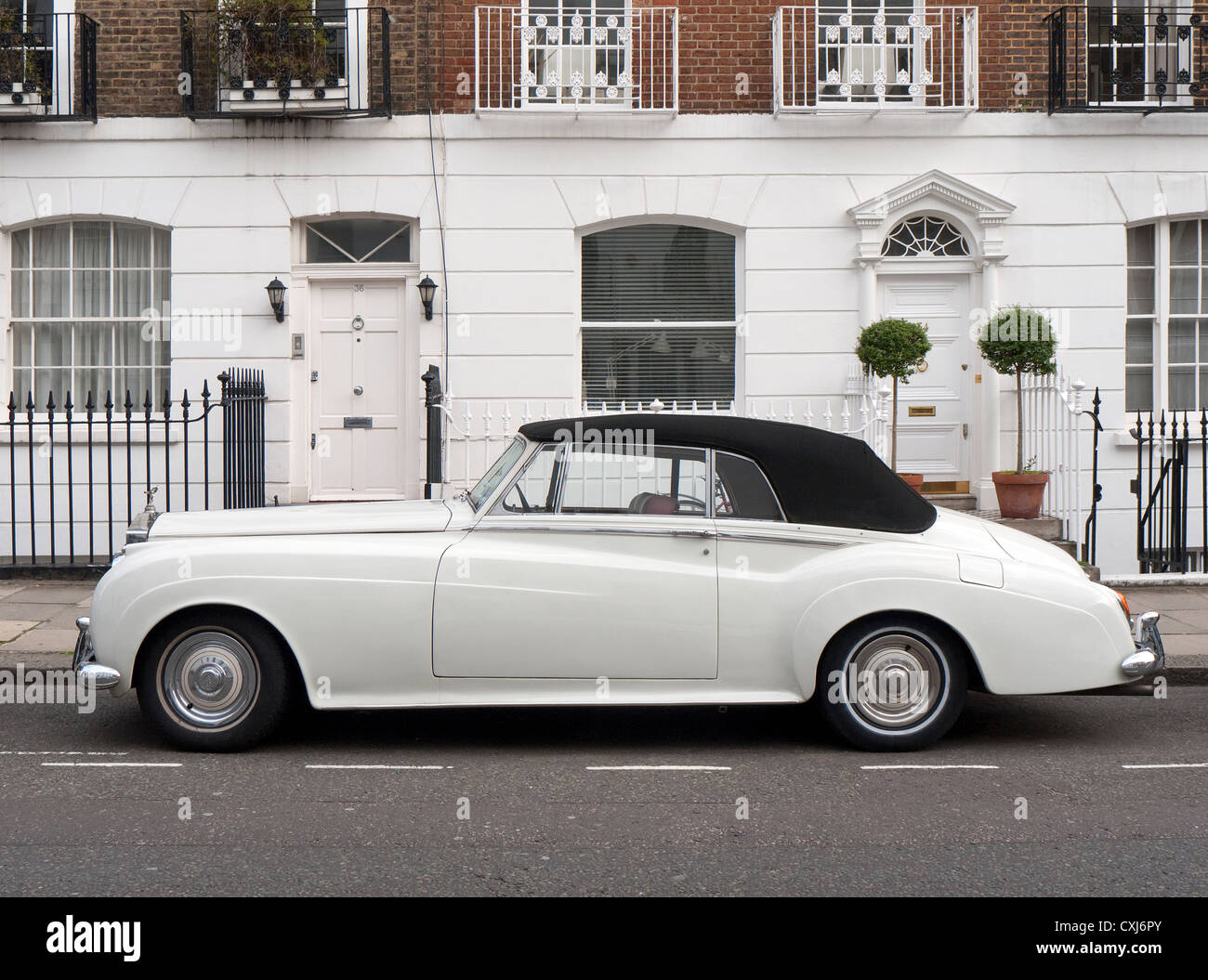 White Rolls Royce High Resolution Stock Photography And Images Alamy
