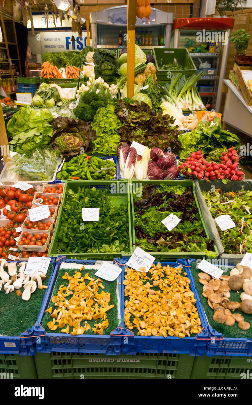 Fresh Vegetables on Sale at Stuttgarter Markthalle, Stuttgart, Baden-Württemberg, Germany - Stock Image