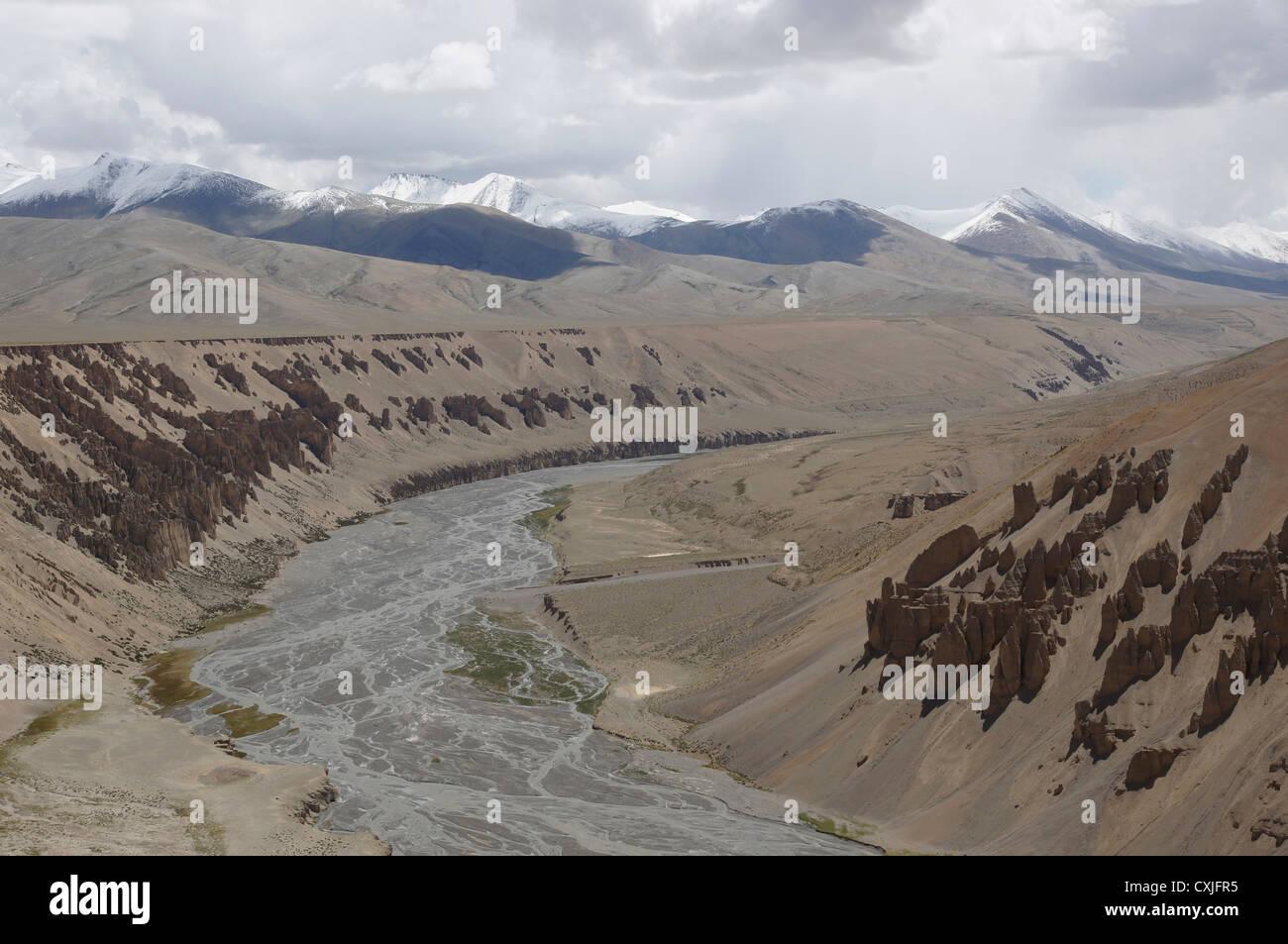 landscape between pang and taglang la, manali-leh highway, jammu and kashmir, india - Stock Image