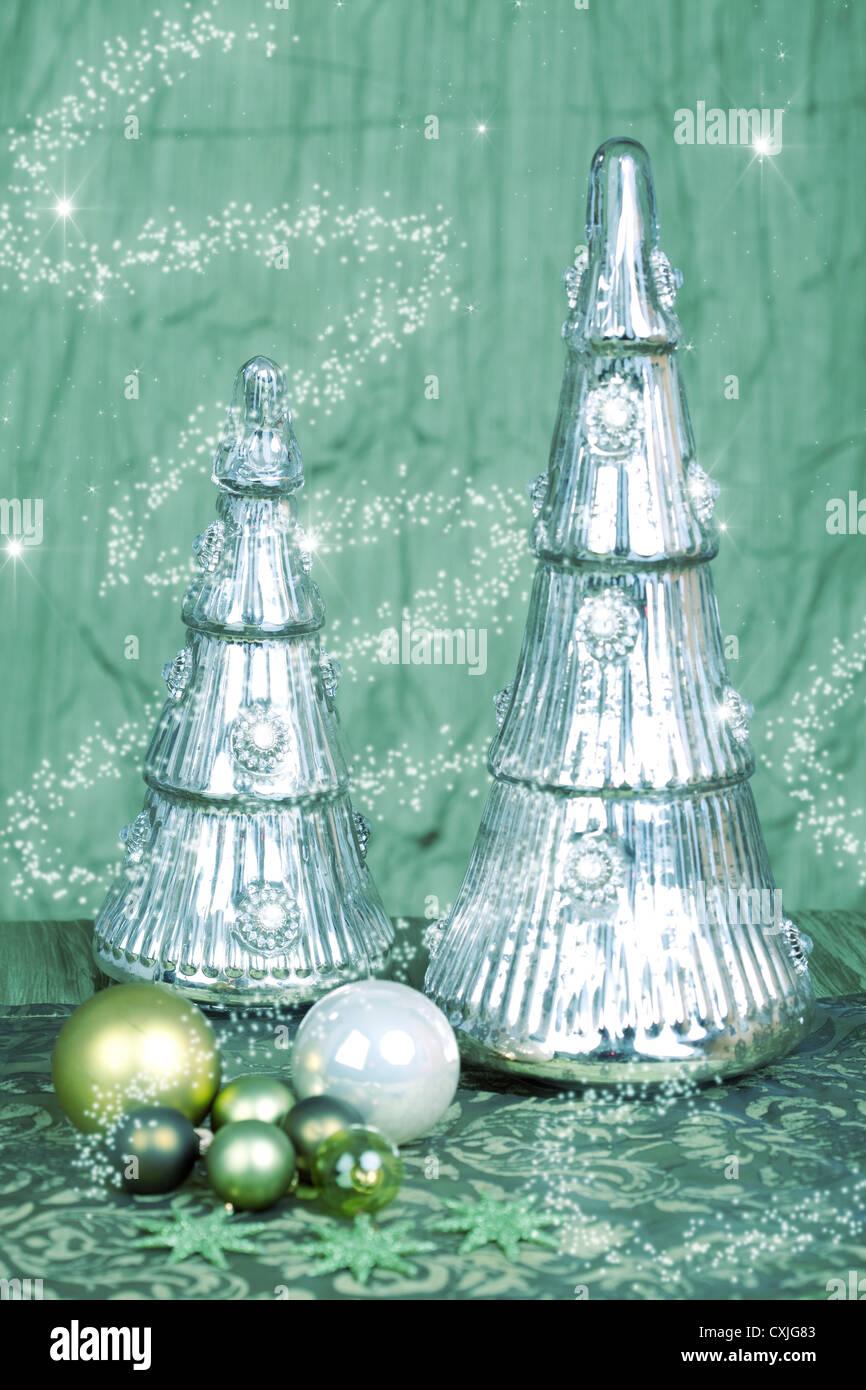 Weihnachtsschmuck Weihnachtskarte grün Lichtsterne Christmas decorations Christmas card green silver light - Stock Image