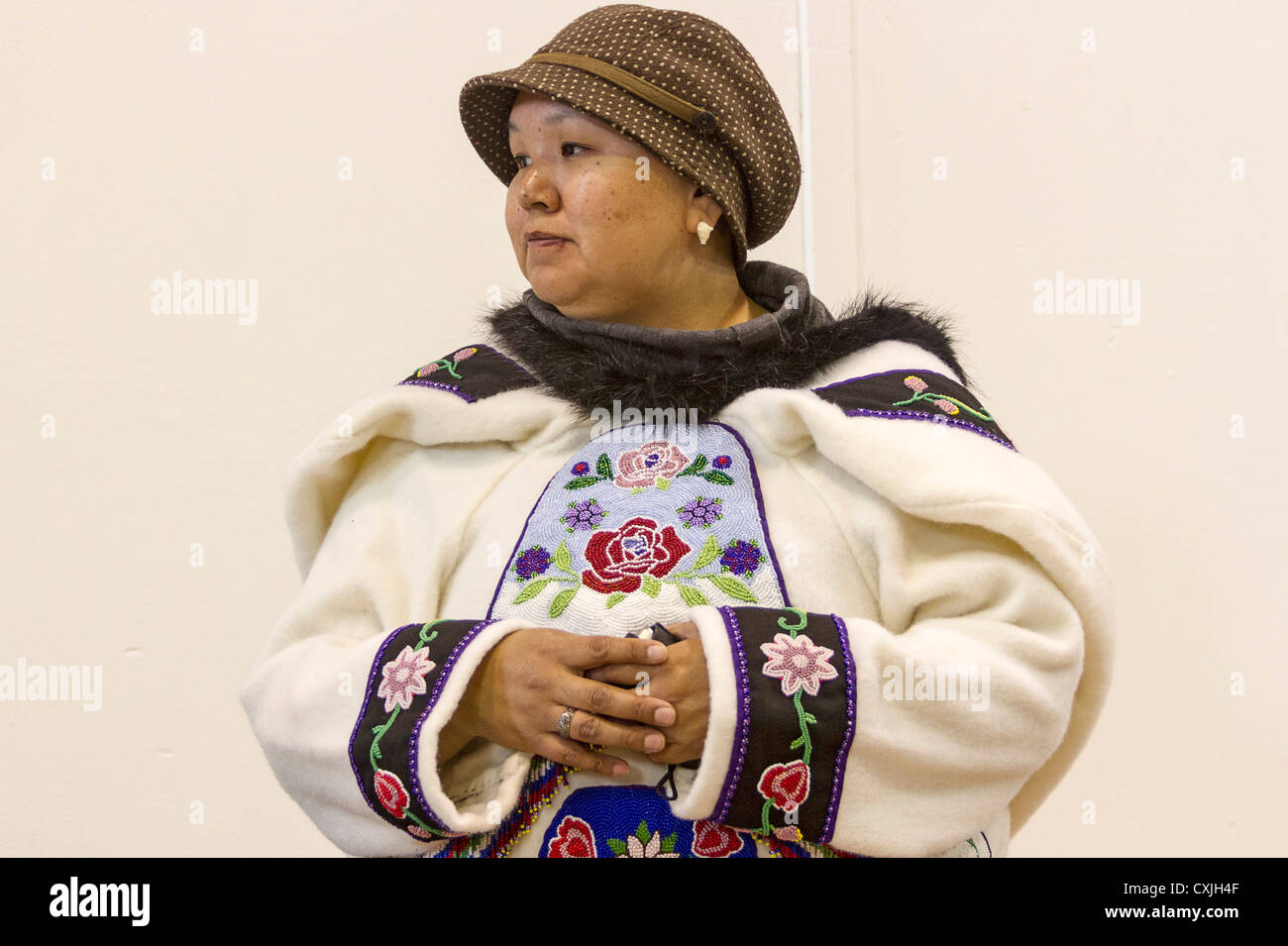 Inuit woman in traditional skin clothing. Grise Fjord, Nunavut, northernmost community in Canada - Stock Image