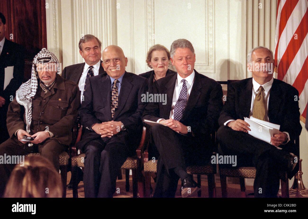 Palestinian Leader Yasser Arafat King Hussein Of Jordan Us Stock