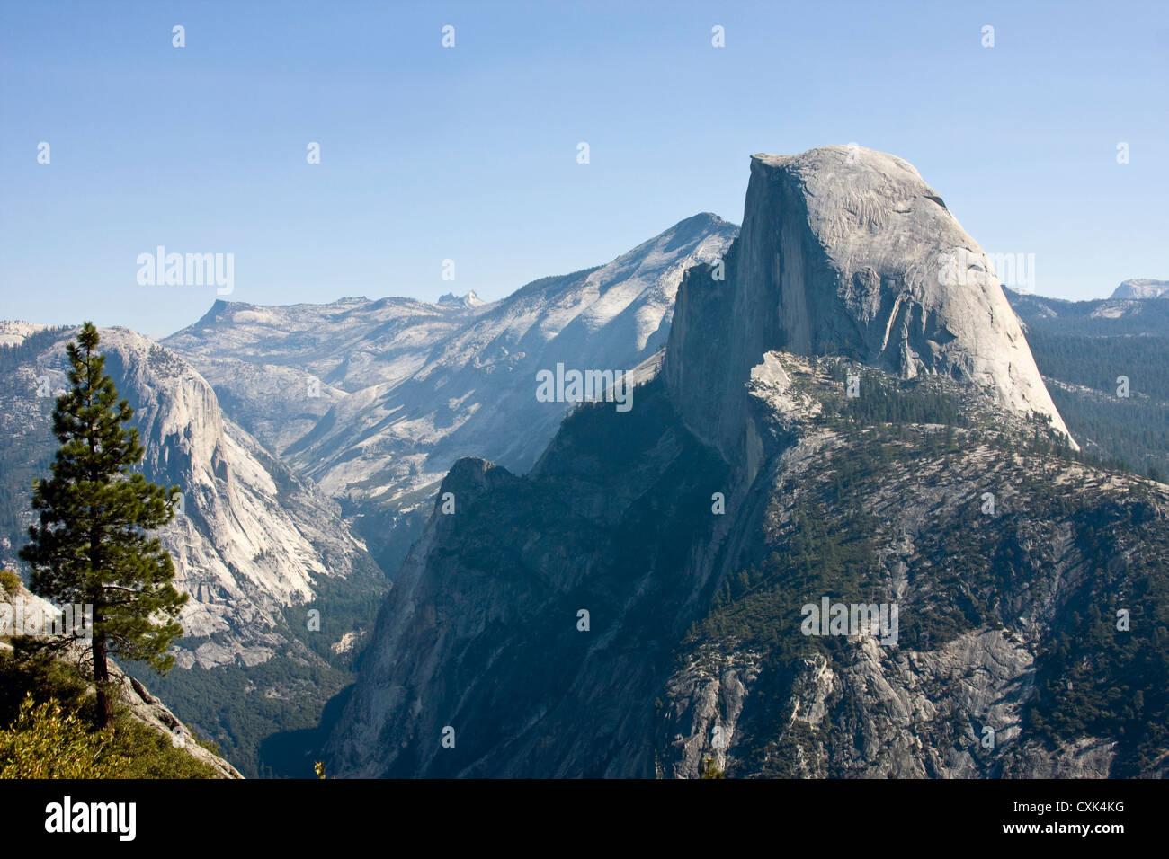 half dome mountain in yosemite national park in california - Stock Image