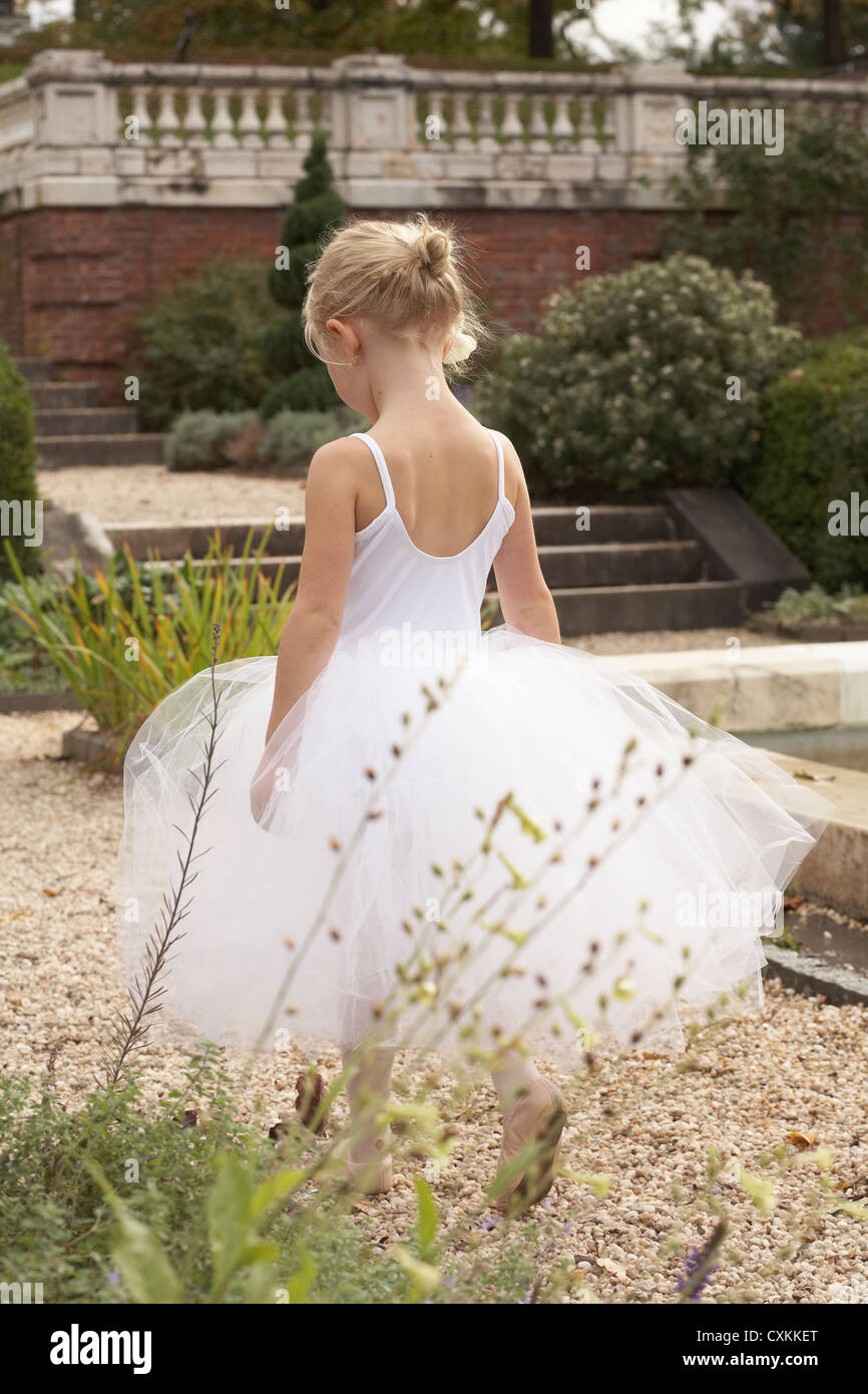 girl walking in ballet costume - Stock Image