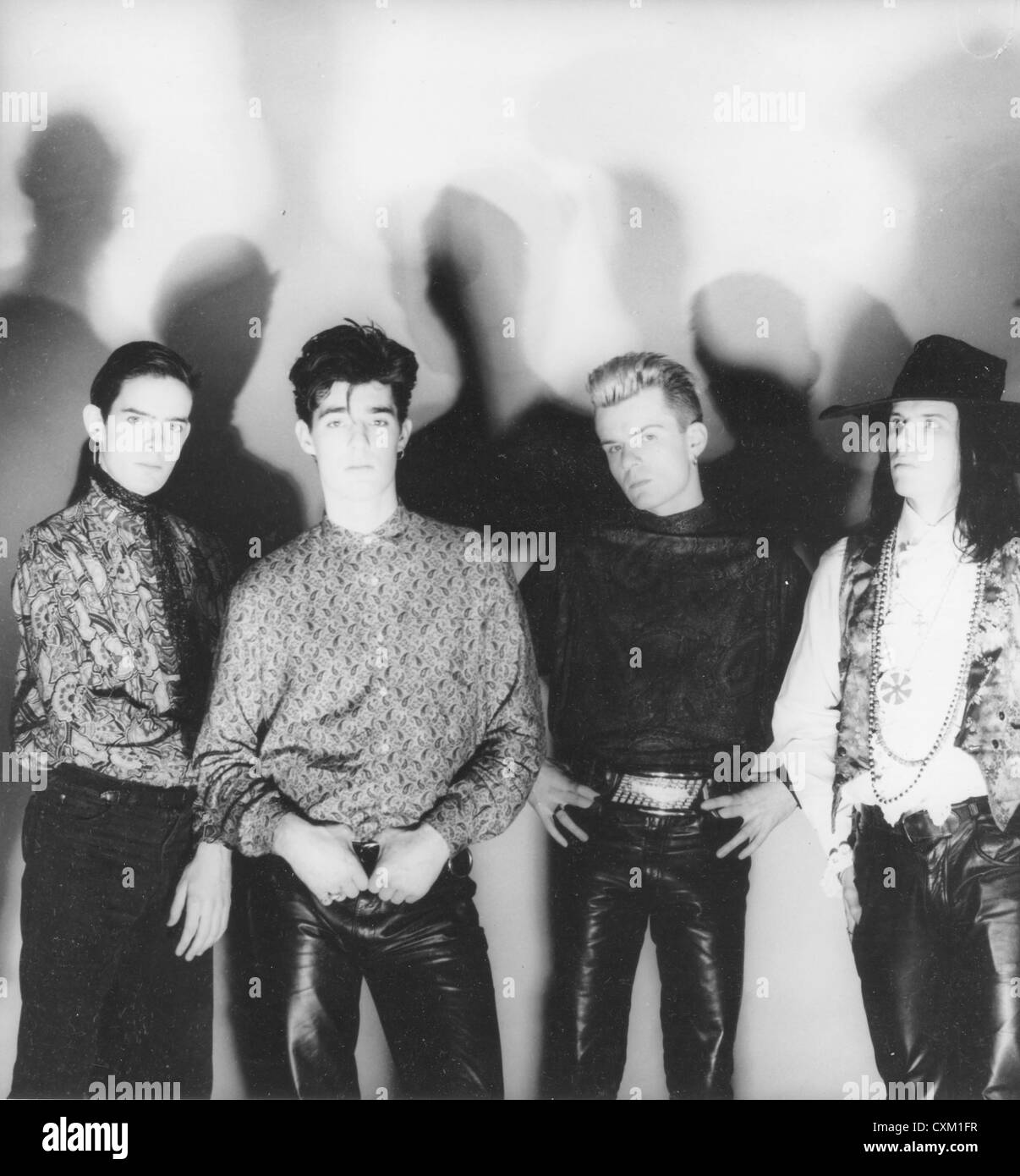 THE CULT Promotional photo of UK rock group about 1985. From l: Jamie Stewart, Nigel Preston, Billy Duffy, Ian Astbury - Stock Image