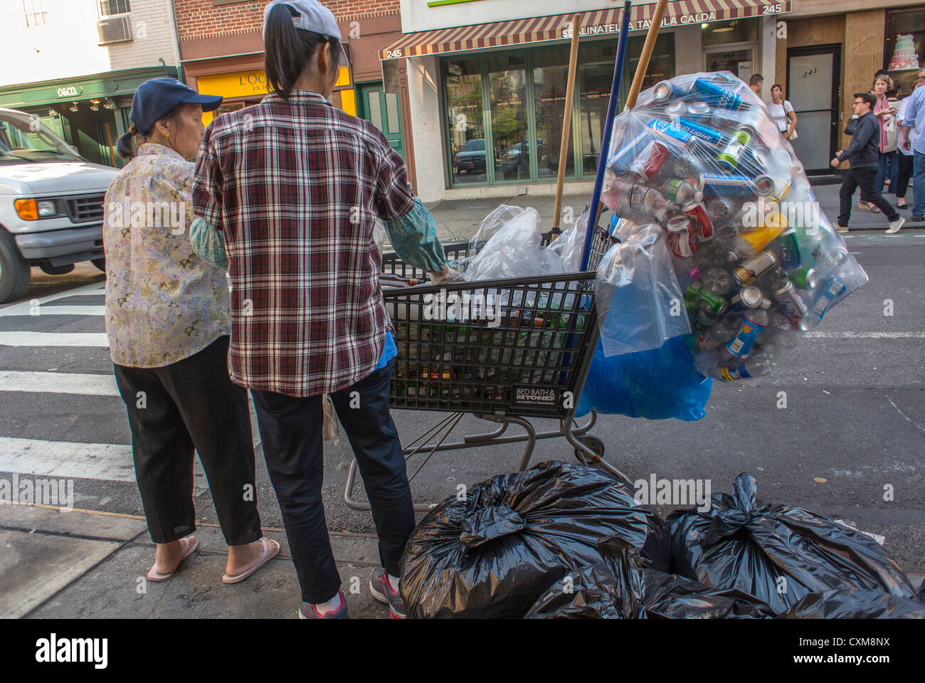 New York City, NY, USA, Street Scenes in the West Village, Chinese Poor, Garbage Pickers,Scavangers - Stock Image