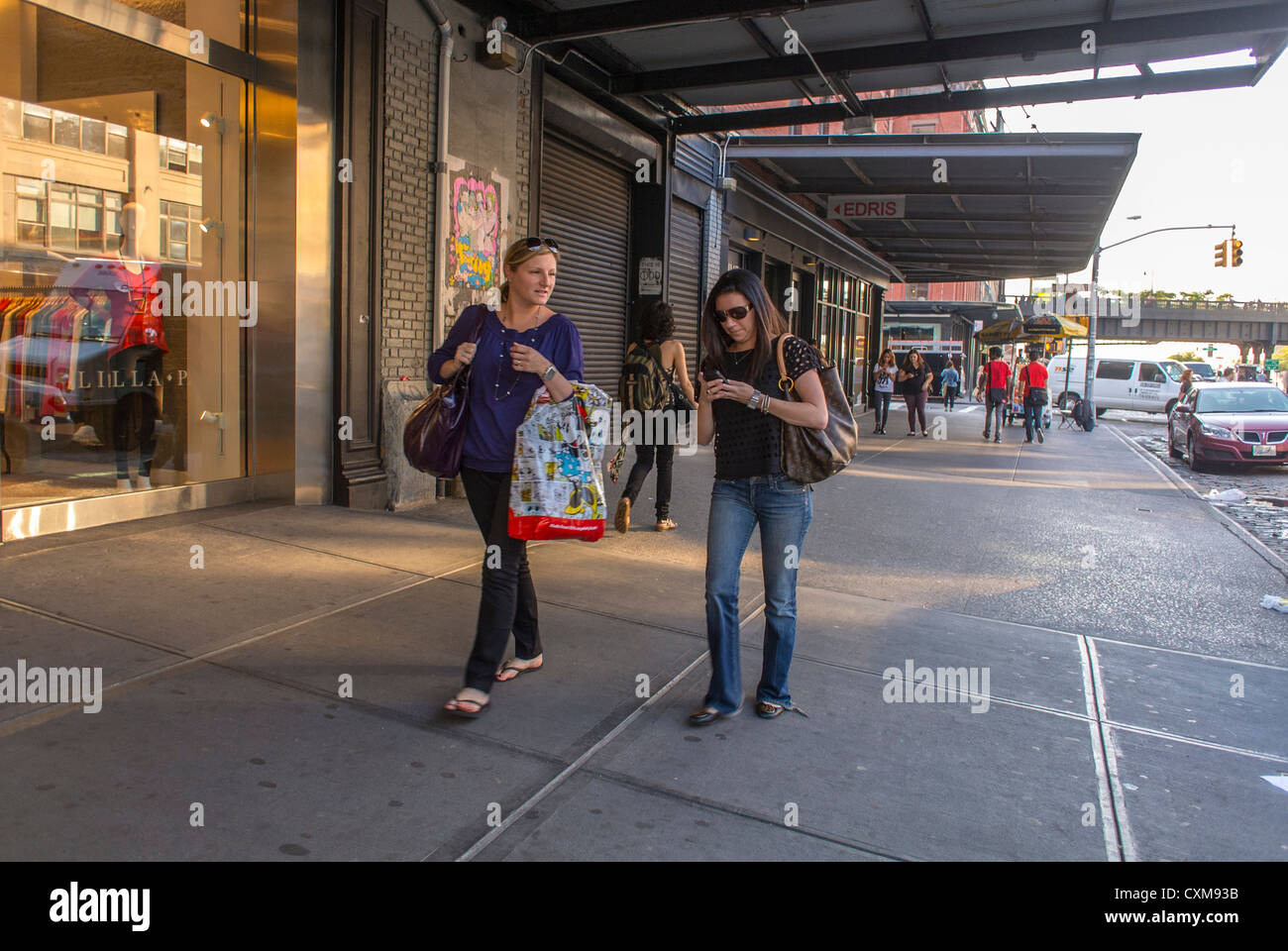 New York City, NY, USA, Street Scenes in the Meatpacking District Neighbourhood, Women Shopping, Local neighbourhoods - Stock Image