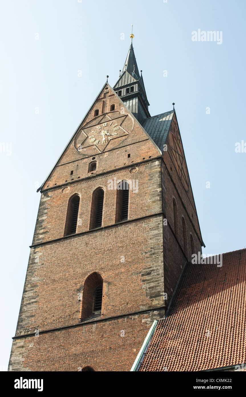 The stark brick gothic bell tower of the 14th Century Marktkirche, market church, in Hannover, Germany - Stock Image