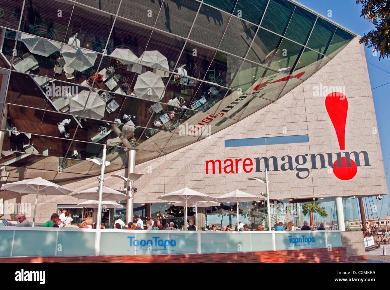 Barcelona's Maremagnum shopping center at Port Vell harbor - Stock Image