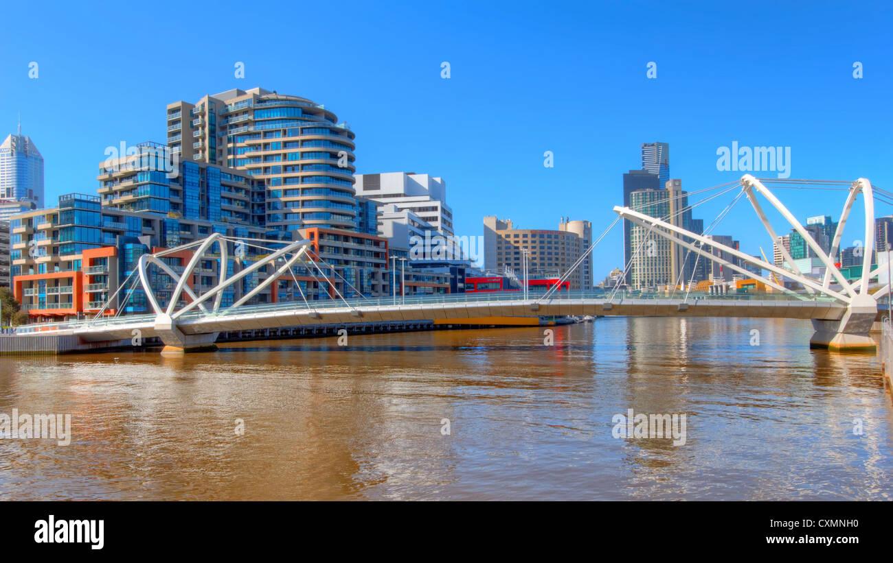 Seafarers Bridge   South Wharf   Melbourne Docklands - Stock Image
