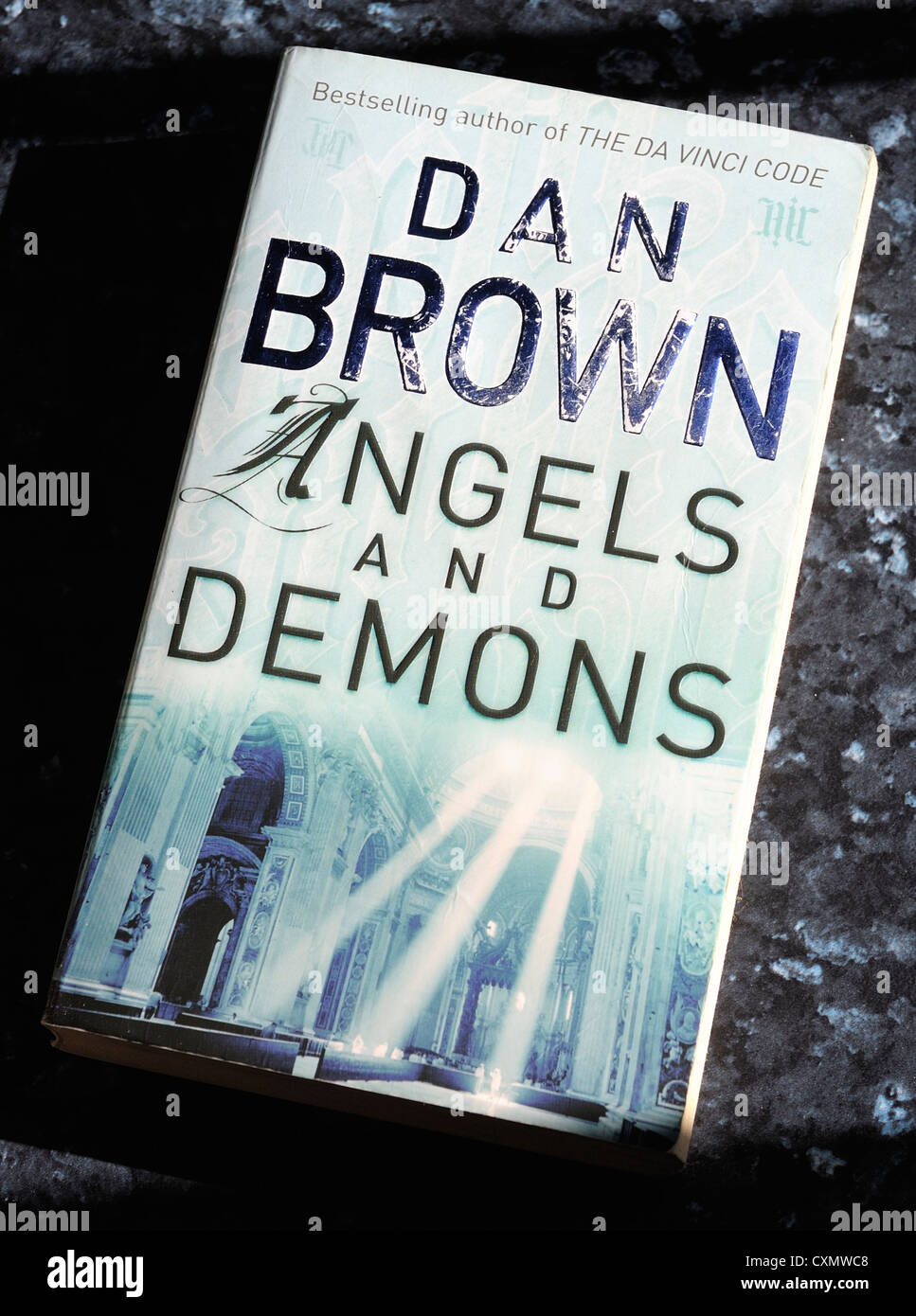 dan brown angels and demons book cover - Stock Image