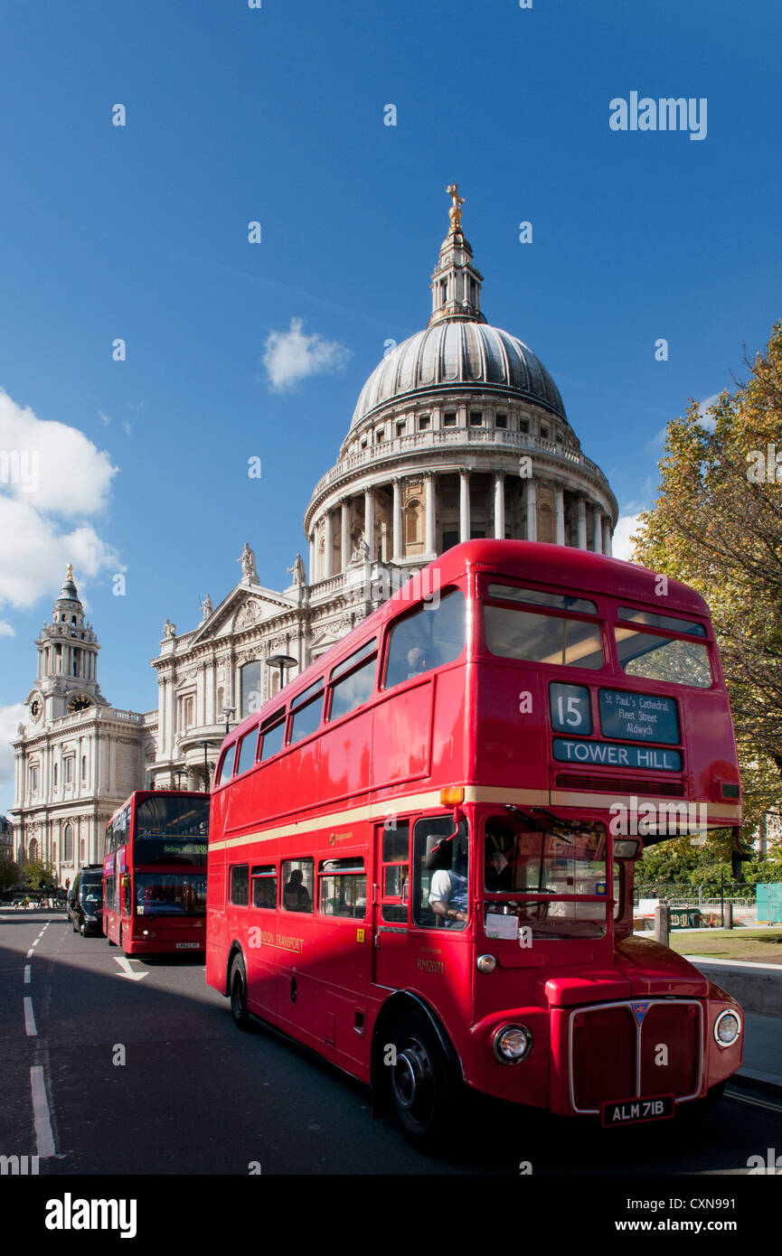 St Paul's Cathedral, Routemaster Bus and modern red bus, London, UK - Stock Image