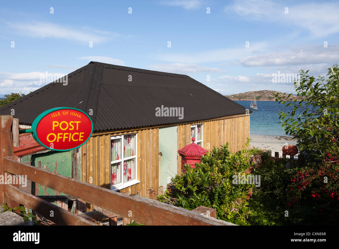 The Post Office at Baile Mor on Iona, off the Isle of Mull, Inner Hebrides, Argyll and Bute, Scotland, UK - Stock Image