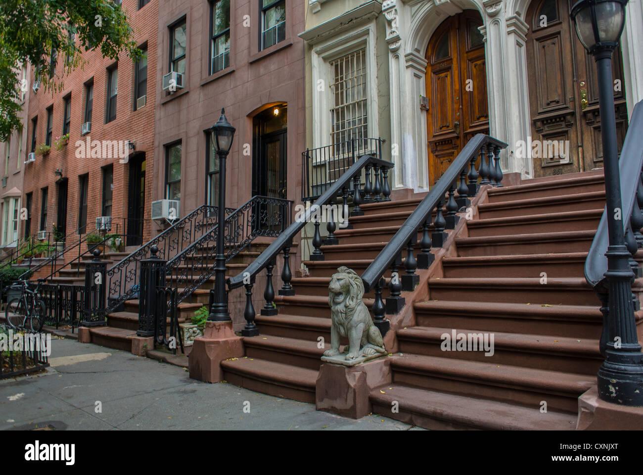 new york  ny  usa  historic row houses  brownstone  holiday apartment new york city manhattan
