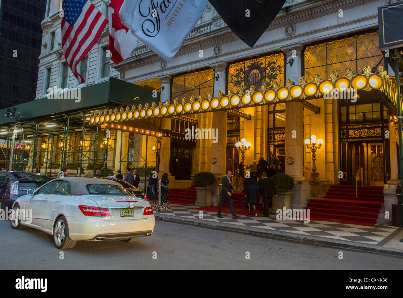 New York, Street Scenes, Outside, Front of the Plaza Hotel, Manhattan, 5 star hotel entrance - Stock Image