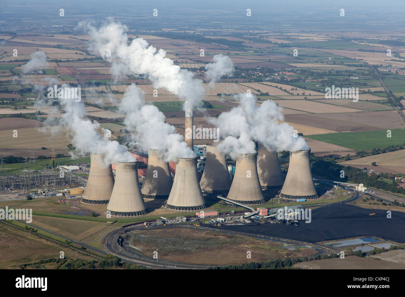 Aerial view of Cottam power station, near Retford, Nottinghamshire, owned by EDF Energy. A coal-fired power station - Stock Image