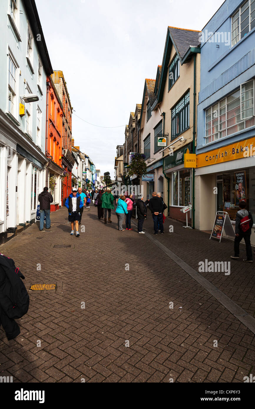 Causeway Head is a pleasant pedestrian precinct located close to the centre of Penzance Cornwall shops and shoppers - Stock Image
