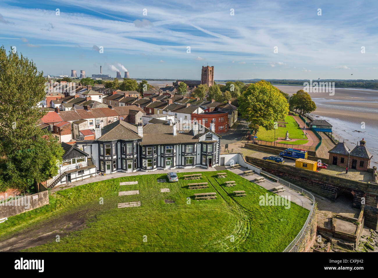 West Bank area of Widnes in Cheshire beside the river Mersey. - Stock Image