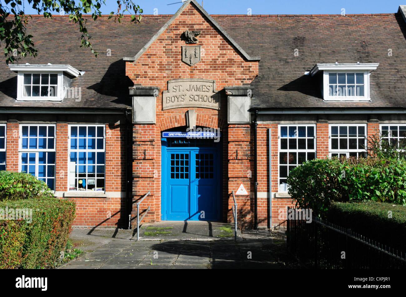 Greyfriars Community Primary School in building of old St James' Boys' School, King's Lynn, Norfolk. - Stock Image