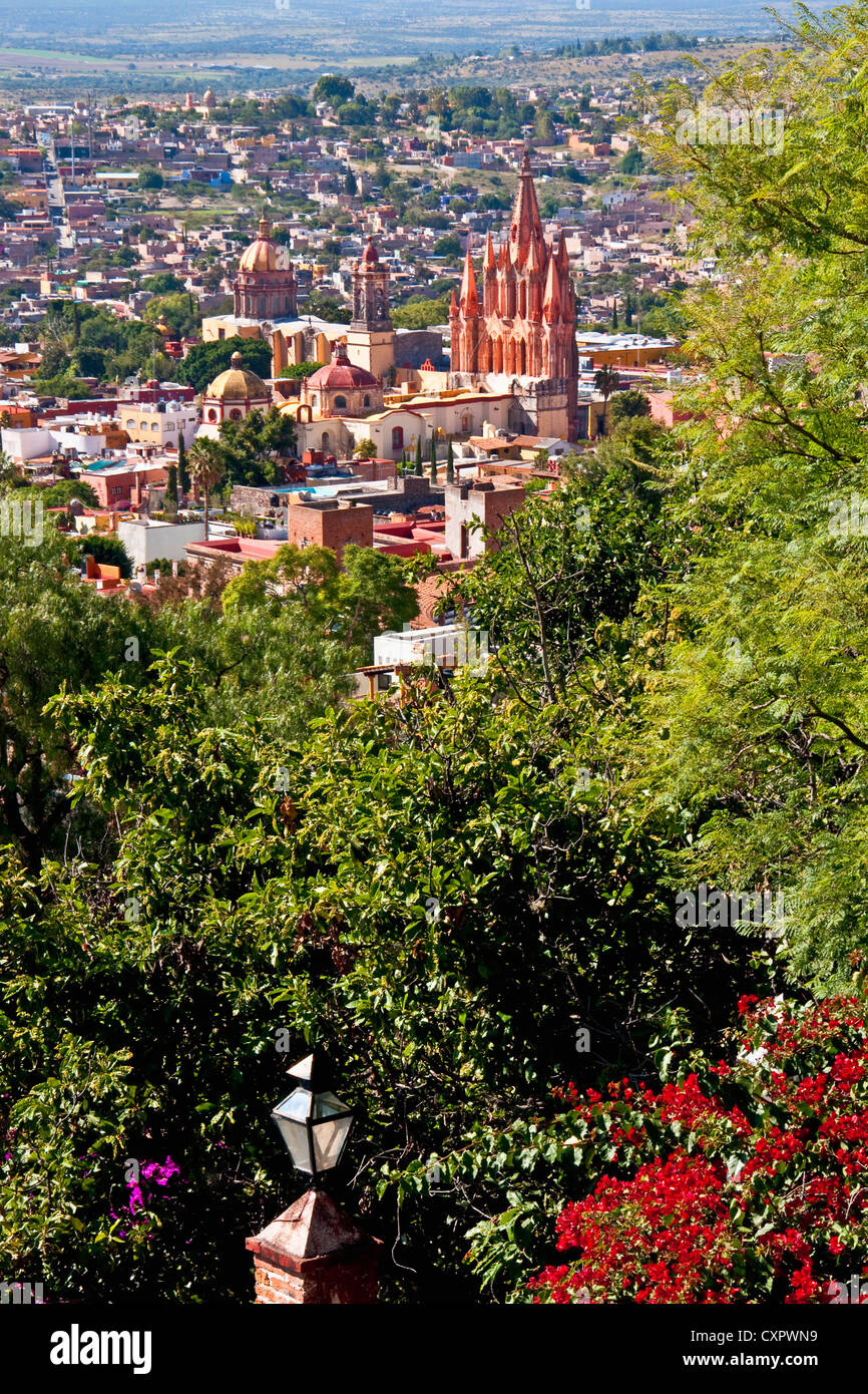 San Miguel de Allende's gothic spires of La Parroquia de San Miguel Arcangel (Church of St. Michael the Archangel) Stock Photo