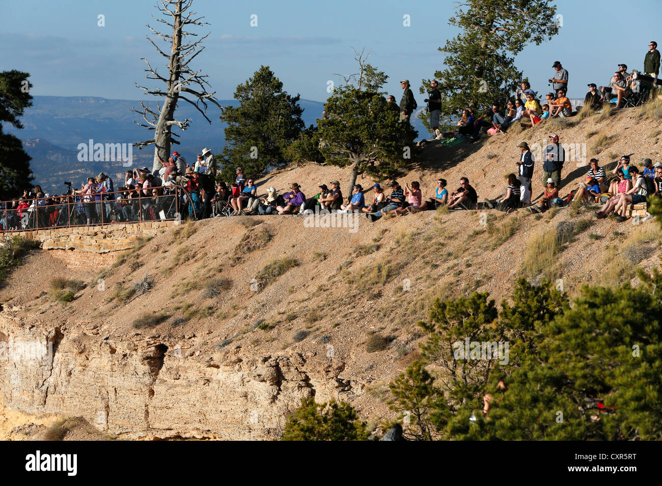 People observing the solar eclipse of 20th May 2012, Bryce Canyon National Park, Utah, USA - Stock Image