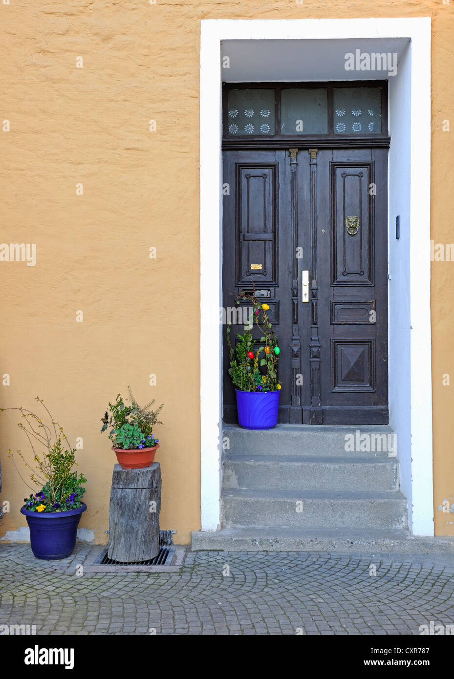 Easter Decoration In Front House Stock Photos & Easter Decoration In ...