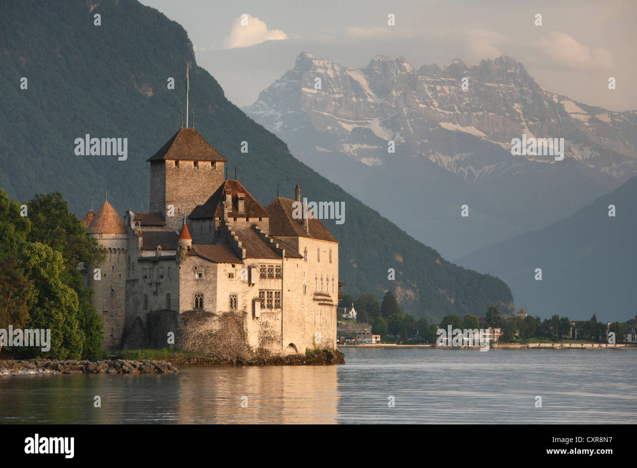 Chateau du Chillon on the edge of Lake Geneva, Switzerland - Stock Image