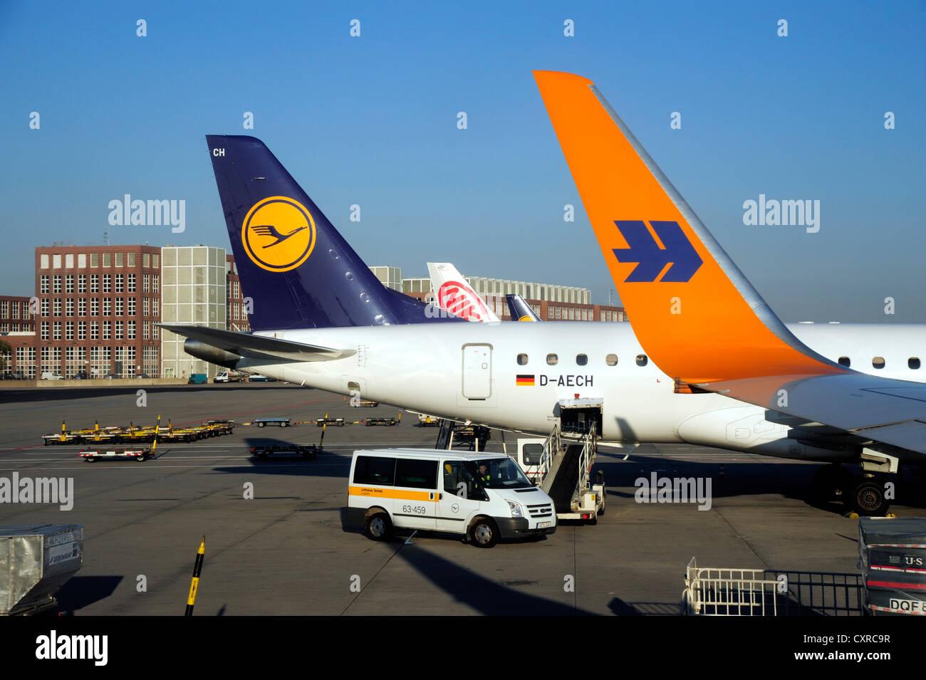 Airplanes at Frankfurt Airport, Frankfurt am Main, Hesse, Germany, Europe - Stock Image