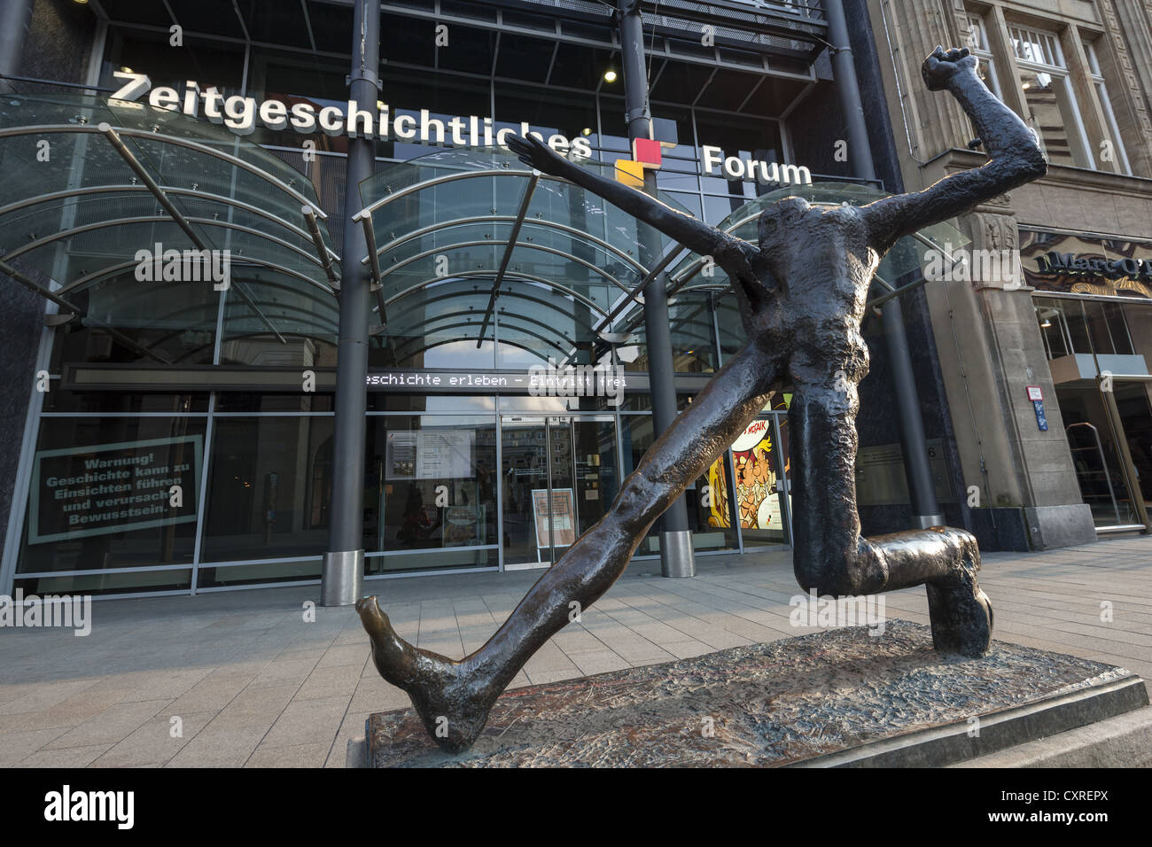 Sculpture in front of the Forum of Contemporary History, Grimmaische Strasse, Leipzig, Saxony, Germany, Europe - Stock Image