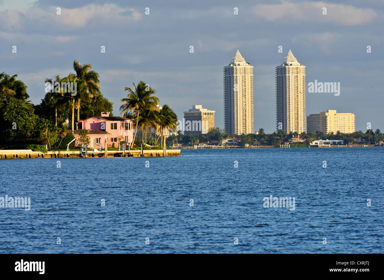 Housing complex at Mount Sinai Medical Center, seen from Morningside Park, Miami, Florida, USA - Stock Image