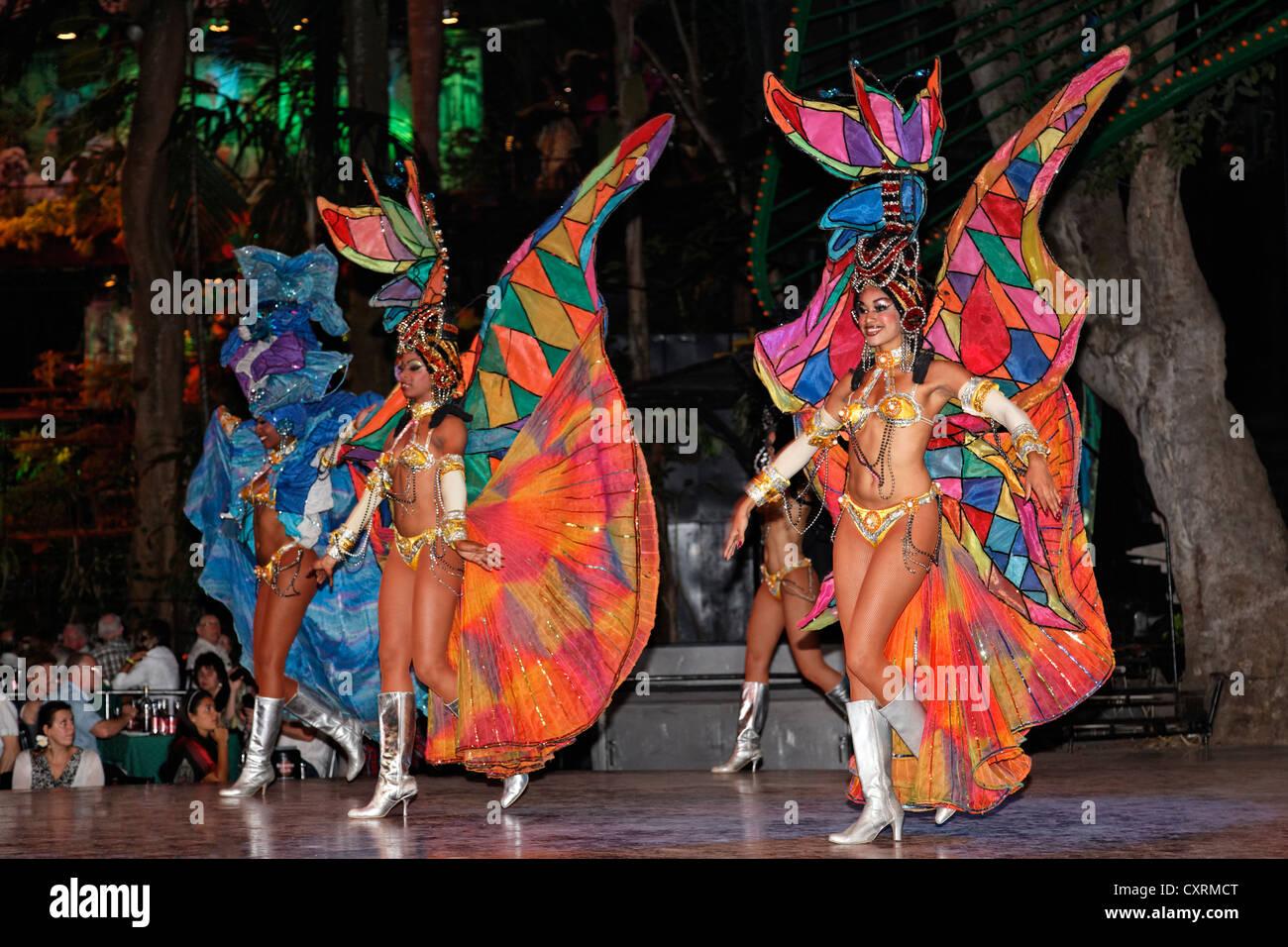 Dancers at the Tropicana open-air nightclub in the suburb of Marianao, La Habana, Havana, Villa San Cristobal de - Stock Image