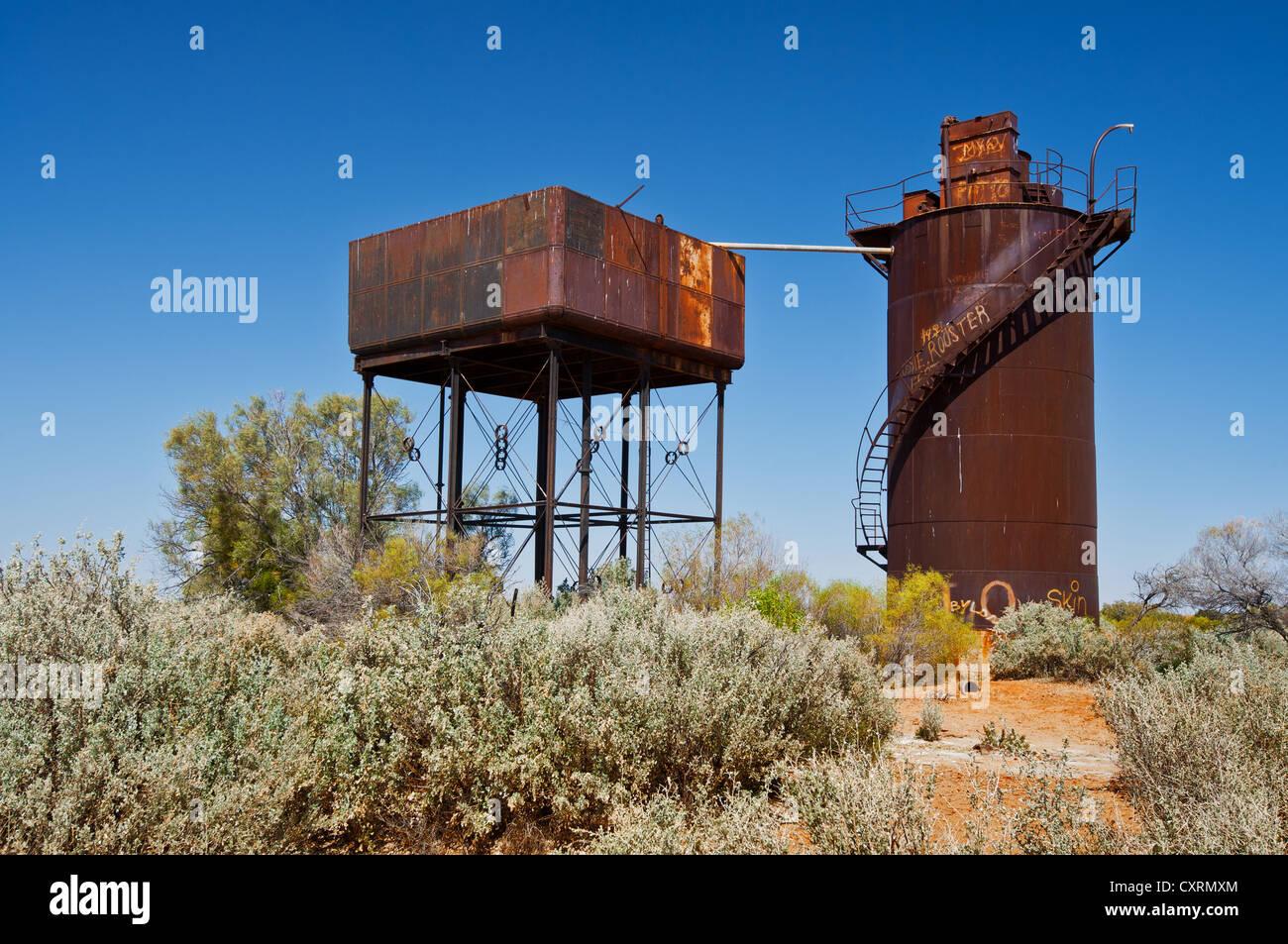 Rusty water tank of Edward Creek Siding Stock Photo: 50923116 - Alamy