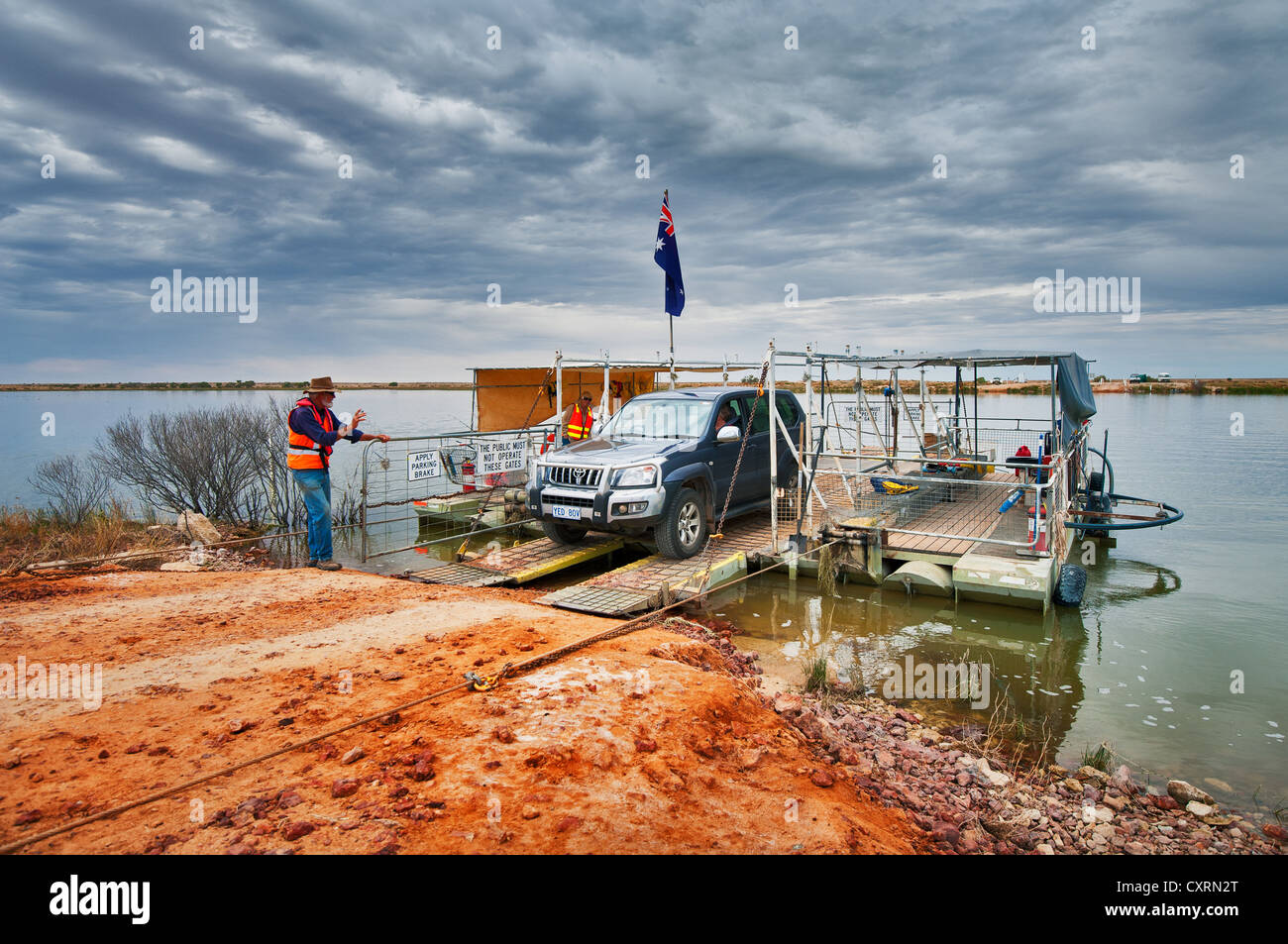 Cooper Creek ferry operating after a big flood. - Stock Image