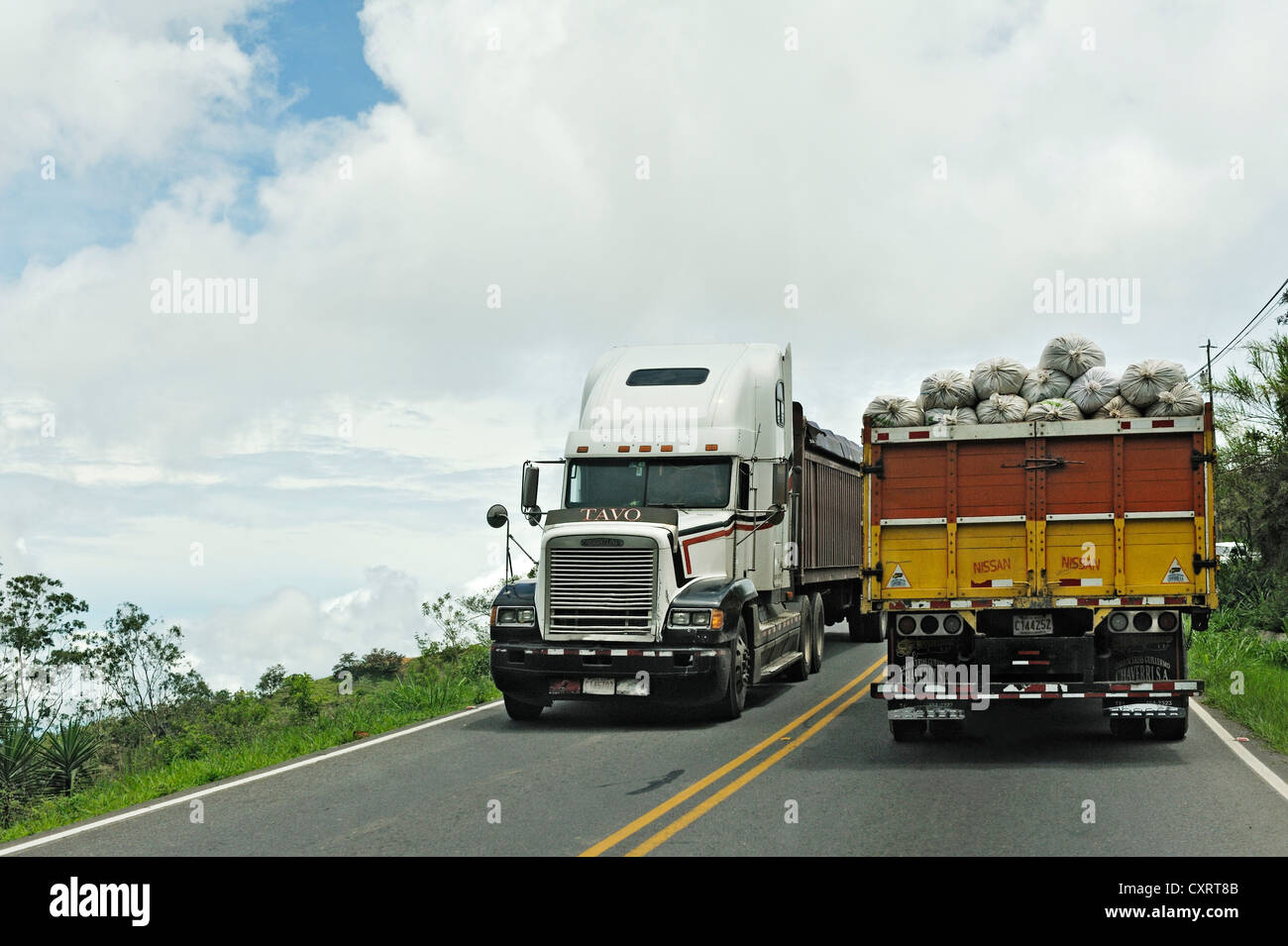 Heavy vehicle traffic, between Monte Verde and San Jose, Alajuela Province, Costa Rica, Central America - Stock Image