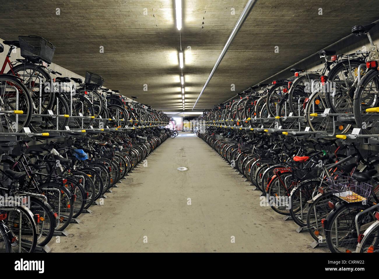 Bicycle garage at Bahnhof Pasing railway station, Bavaria - Stock Image
