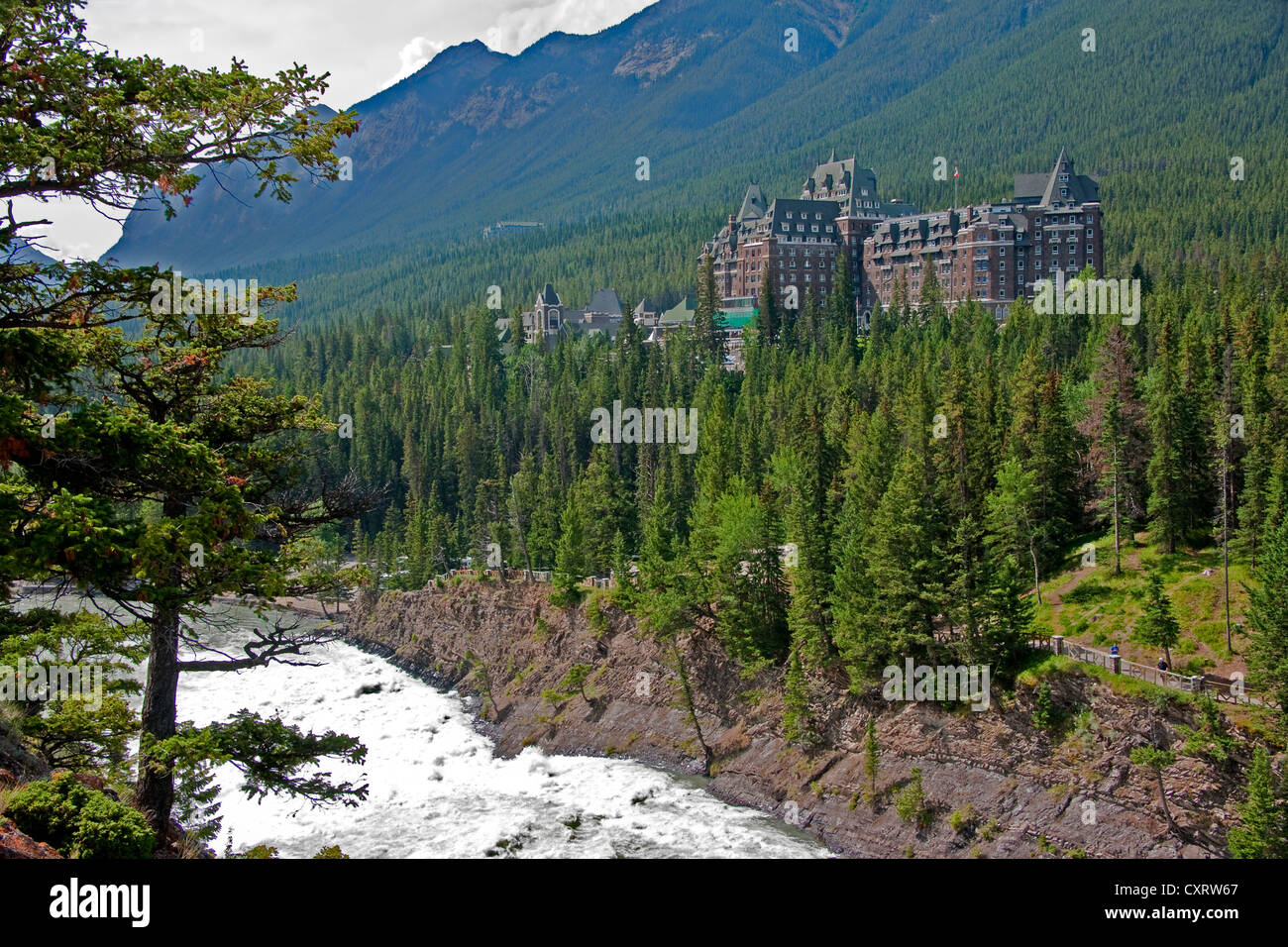 Banff Springs Hotel overlooking the Bow River Falls in Banff National Park, Alberta - Stock Image