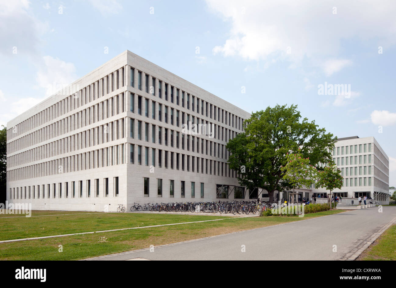 Faculty of Law and Economics building of the Johann Wolfgang Goethe University of Frankfurt, Westend Campus, Frankfurt - Stock Image
