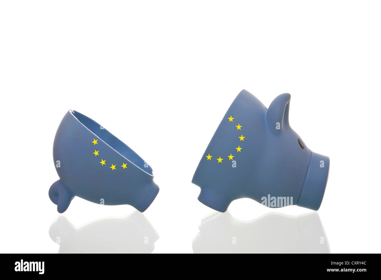 Halved piggy bank with European stars, symbolic image - Stock Image